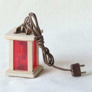 Laterne mit rotem Licht, klein, handgefertigt, elektrifiziert