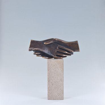 Bronzeskulptur Handzeichen Gemeinsam Hände