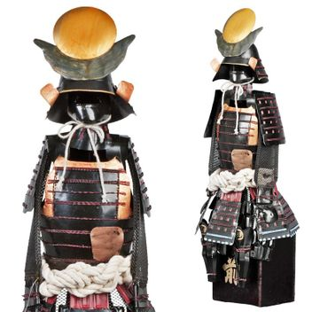 Samurai Warrior - Japanese Warlord Masamune - Samurai Suit of Armor Miniature