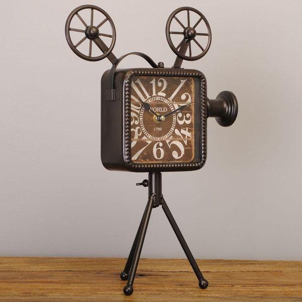Vintage Tischuhr CAMERA aus Metall im Retro-Design – Bild 3