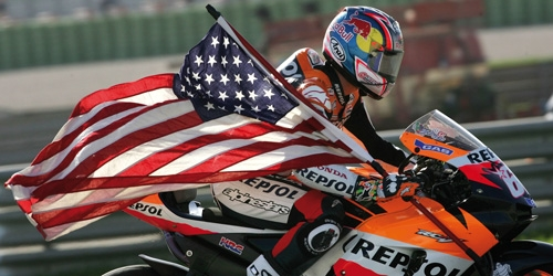 HONDA RC211V - NICKY HAYDEN - WORLD CHAMPION MOTOGP 2006 - W/ FIGURINE W/ FLAG L.E. 1017 pcs.
