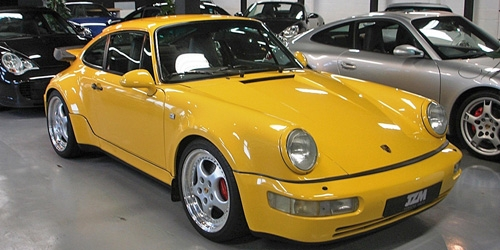 PORSCHE 911 TURBO (964) - 1990 - YELLOW