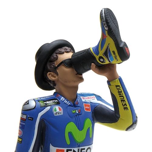 FIGURINE - VALENTINO ROSSI - MOTOGP 2016 - 'VICTORY DRINK' Minichamps 312160046 – Bild 1