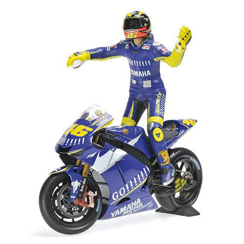 Set Bike + Figurine Rossi 2005 Yamaha YZR-M1 - 1:12 Valentino Rossi Moto GP Donnington 2005 L.E. 720 pcs. Minichamps 122053146 – image 5