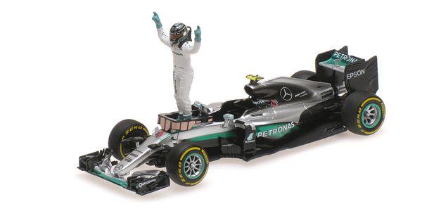 MERCEDES AMG PETRONAS F1 TEAM - F1 W07 HYBRID - ROSBERG - WORLD CHAMPION 2016 - W/ FIGURINE L.E. 650 pcs. – Bild 5