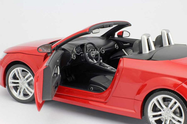 Audi TT 8S Cabrio Roadster Tango Rot 2014 Minichamps 1:18 Original Audi Collection – Bild 2