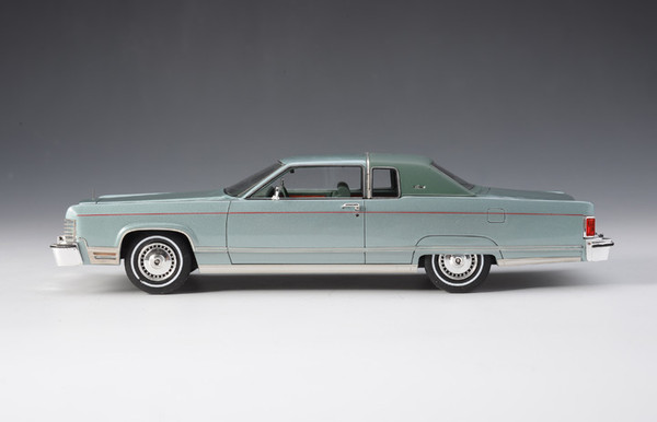 Lincoln Continental Coupe 1976 - green – Bild 2