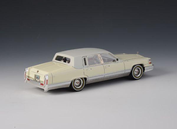 Cadillac Brougham 1991 White – Bild 3