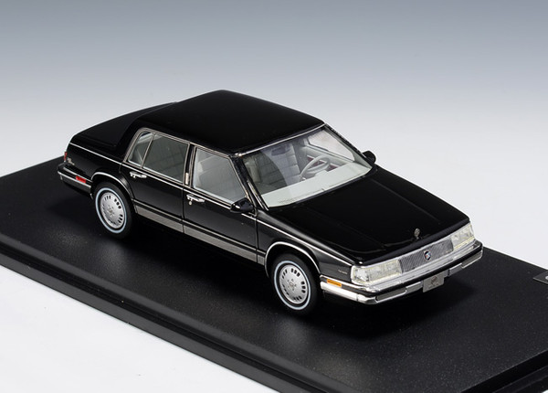 Buick Electra 1986 black – image 1