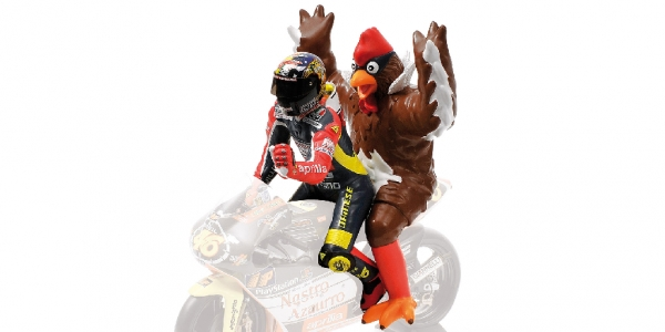 FIGURINE - VALENTINO ROSSI (+ CHICKEN) - GP 250 BARCELONA - 1998 L.E. 2016 pcs.
