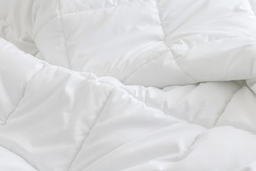 Bettdecke Winter 155x220 cm Steppdecke Mikrofaser Allergiker geeignet weiß – Bild 4