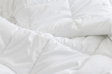 Bettdecke Winter 200x240 cm Steppdecke Mikrofaser Allergiker geeignet weiß – Bild 4