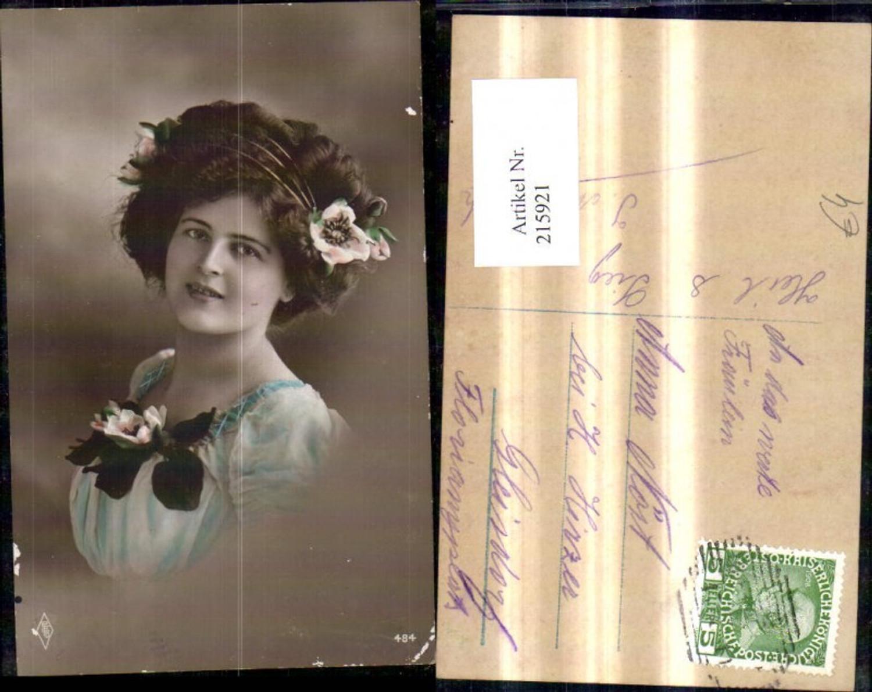 215921,Frau Portrait Blumen Haarreif Haarschmuck Seerose günstig online kaufen