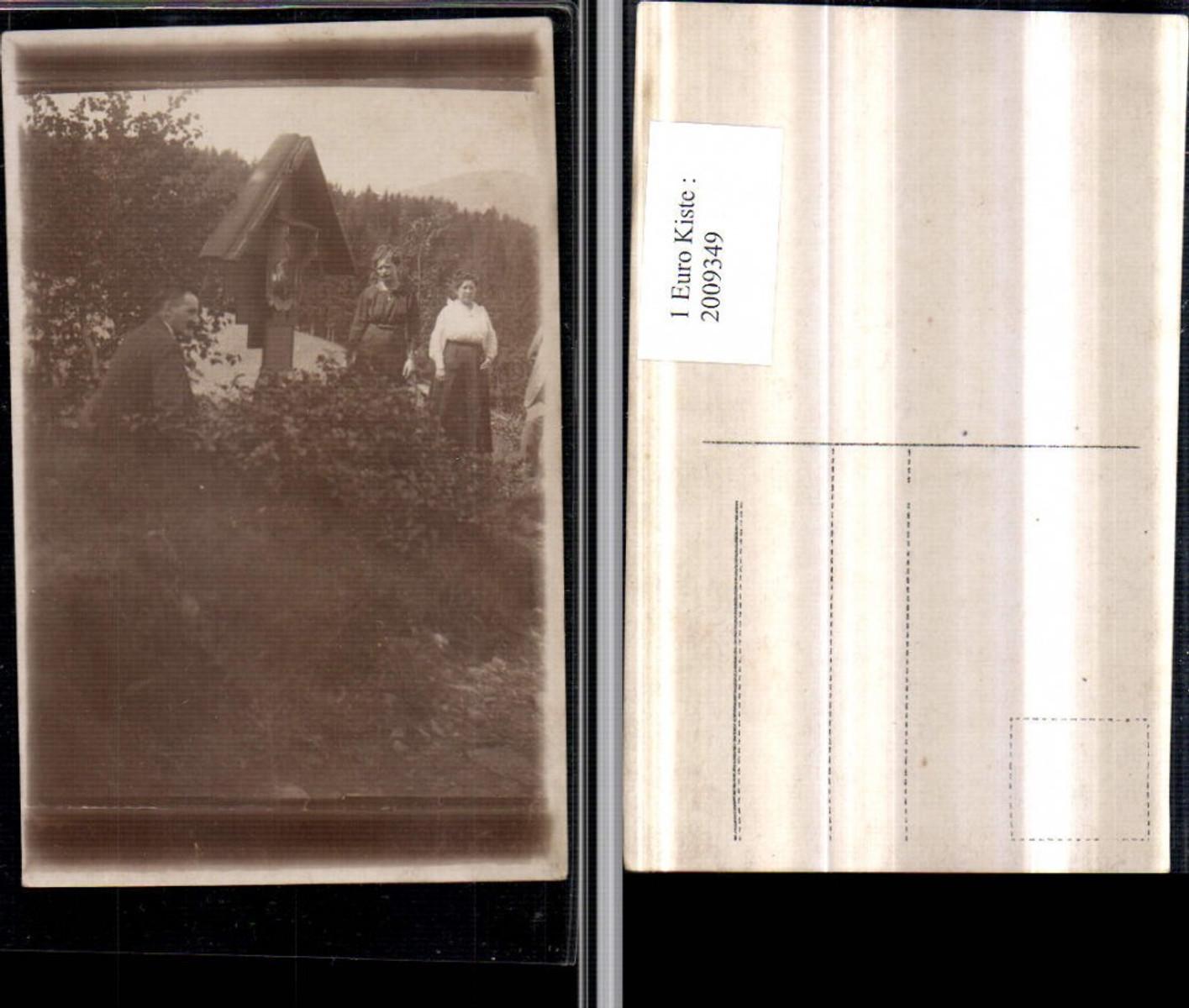 2009349,Foto AK Wegkreuz Personen Wald günstig online kaufen
