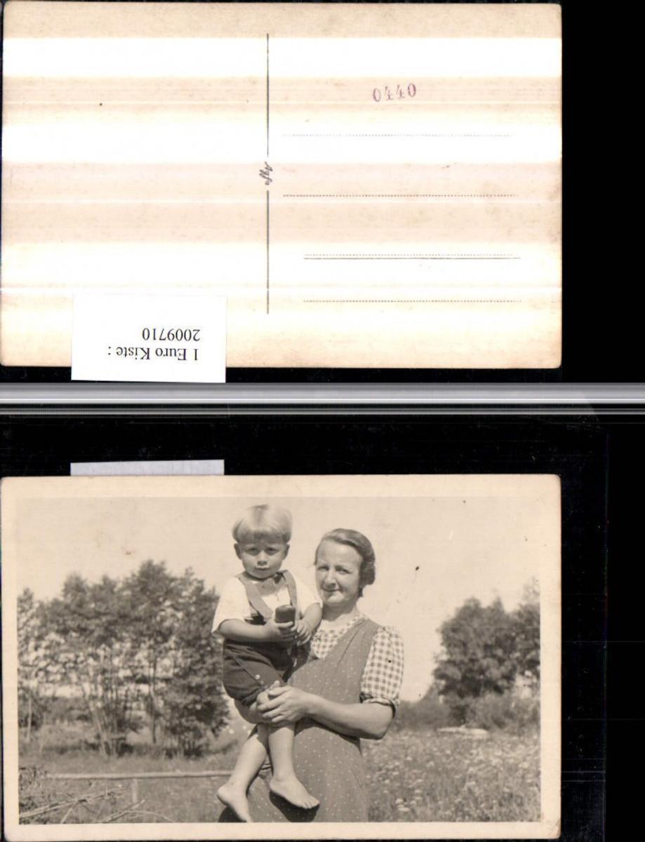 2009710,Foto AK Frau Mutter m. Kind Latzhose  günstig online kaufen