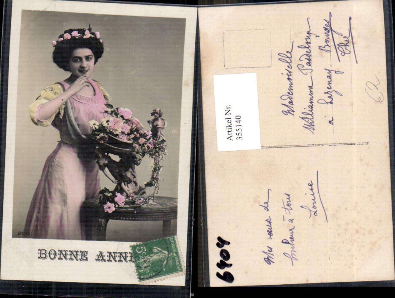 355140,Foto Ak Frau Blumen i. Haar Rosen Blumen Bonne Annee  günstig online kaufen