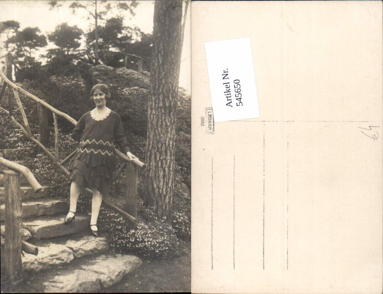 545650,Foto-AK Frau Frauen Stiege Kleid Mode günstig online kaufen