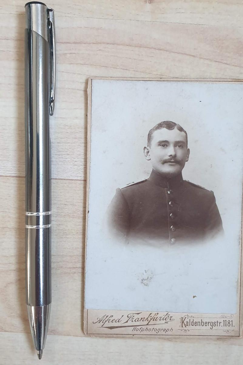 646580,CDV Kabinettfoto Alfred Frankfurter Wesel Soldat Uniform  Schulterklappe 2 Regiment günstig online kaufen