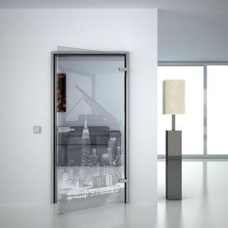 Produktbild 1 Glastür gelasert mit Motiv Skyline by Lionidas] - Eine Glastür mit klarer Linie und einer sanften Ausstrahlung.