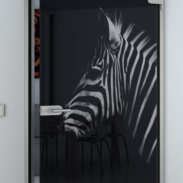 Produktbild 2 Glastür lackiert mit Lasermotiv Zebrakopf by Lionidas - Die Lacobel Glastür mit dem Motiv