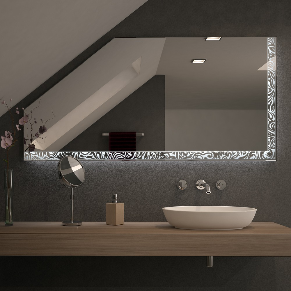 Spiegel für Dachschrägen mit LED Beleuchtung – Arkuna