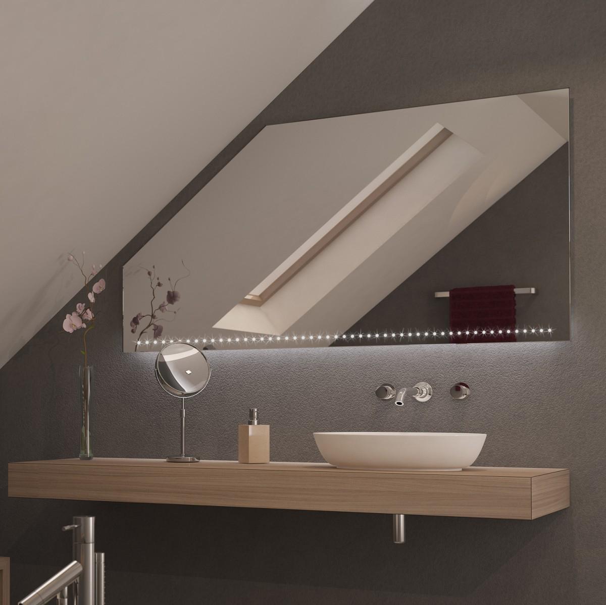 Spiegel für Dachschrägen mit LED Beleuchtung Proja