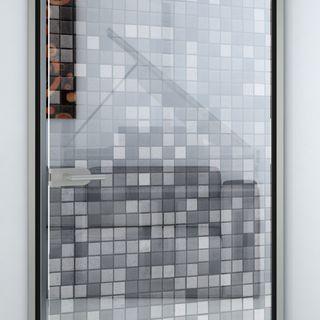 Glastür gelasert mit Motiv Mosaik Detail