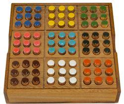Memoria - ein Gedächtnisspiel mit 2 Spielvarianten - Gesellschaftsspiel - Denkspiel - Brettspiel aus Holz mit farbigen Steckern