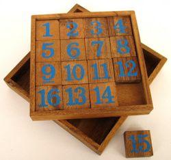 Slide 15 - Schiebespiel - Rechenspiel - Denkspiel - Knobelspiel - Geduldspiel - Logikspiel aus Holz mit blauen Zahlen
