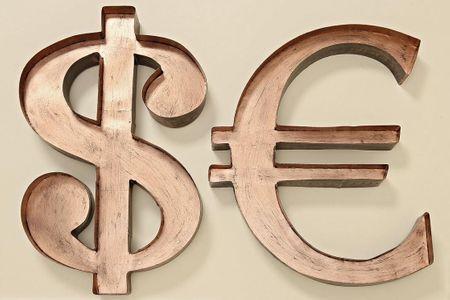 Wandobjekt Euro oder Dollar Eisen kupfer schwarz 53x34cm