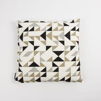 Dekostoff Dreiecke weiß grau khaki schwarz 137cm – Bild 4