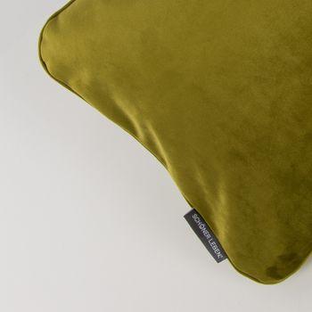 SCHÖNER LEBEN. Samtkissen mit Kederumrandung und Federfüllung moosgrün 30x50cm – Bild 2