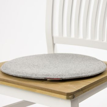 Stuhlkissen AVARO Filz rund grau meliert 35x2cm – Bild 1