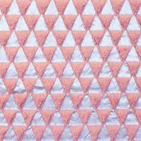Fellstoff Dreiecke silberfarbig altrosa 1,70m Breite 001
