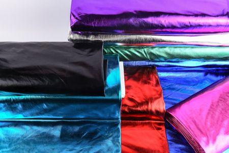 Metallic-Stoff Foliendruck mit Stretch lila 1,5m Breite – Bild 3