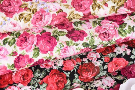 Baumwollstoff Rosen schwarz rot grün 1,45m Breite – Bild 6