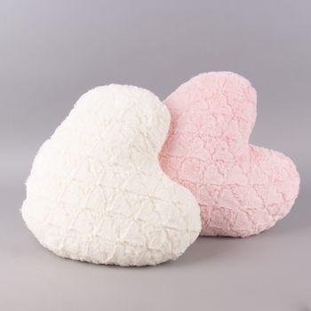 Magma Deko Kissen Fluffy Herzform mit Herzen rosa 40x35cm – Bild 4
