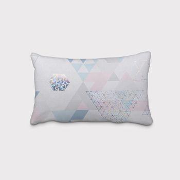 SCHÖNER LEBEN. Kissenhülle Metallic Dreiecke weiß blau rosa – Bild 1