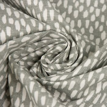SCHÖNER LEBEN. Kissenhülle Paseo Pebble mit Kleksen grau weiß 40x40cm – Bild 6