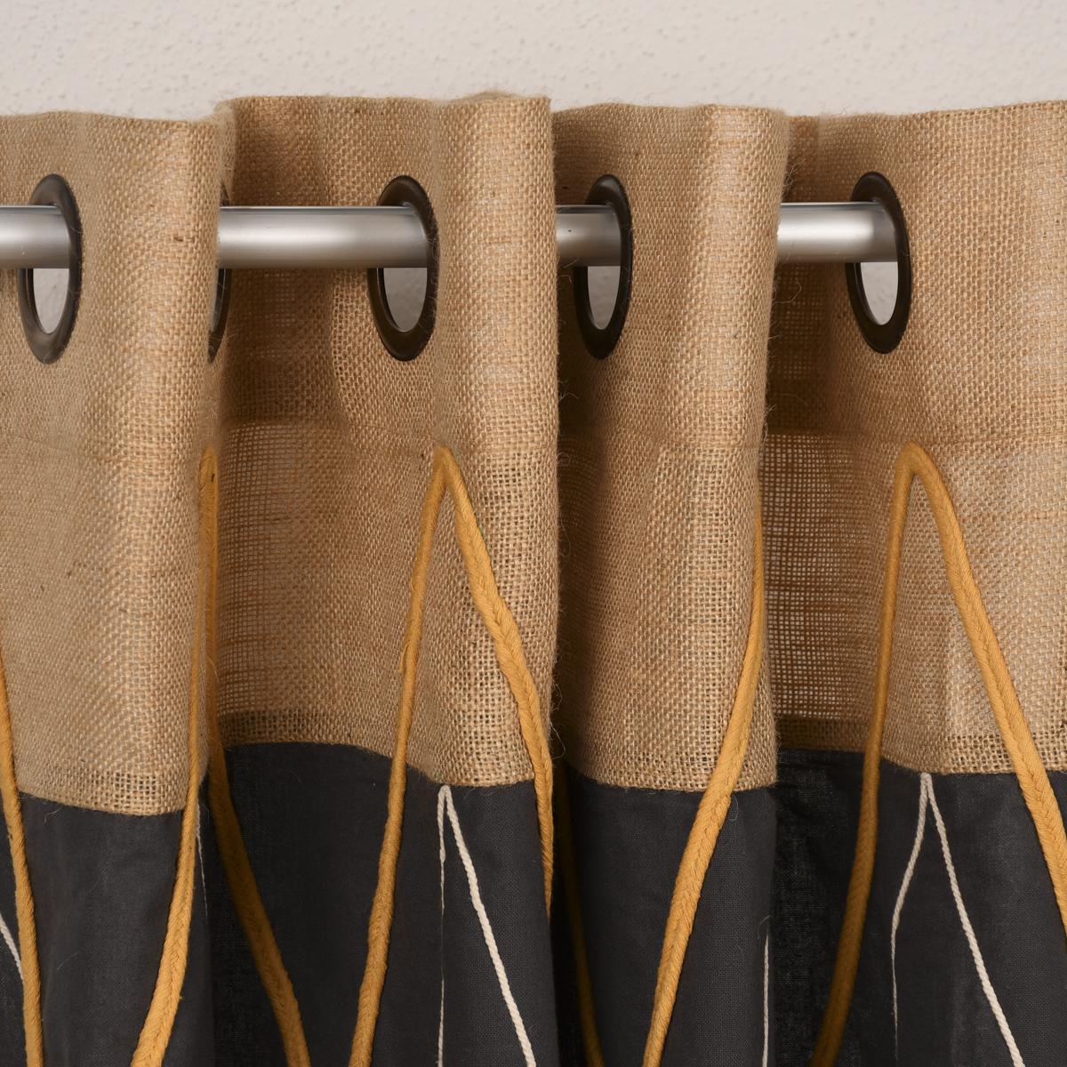 Ösengardine aus Baumwolle mit Ansatz und Applikation Zickzack grau natur 140x260cm