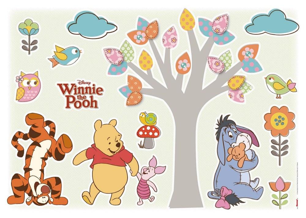 1-4014 Winnie Pooh in der Natur Wandsticker