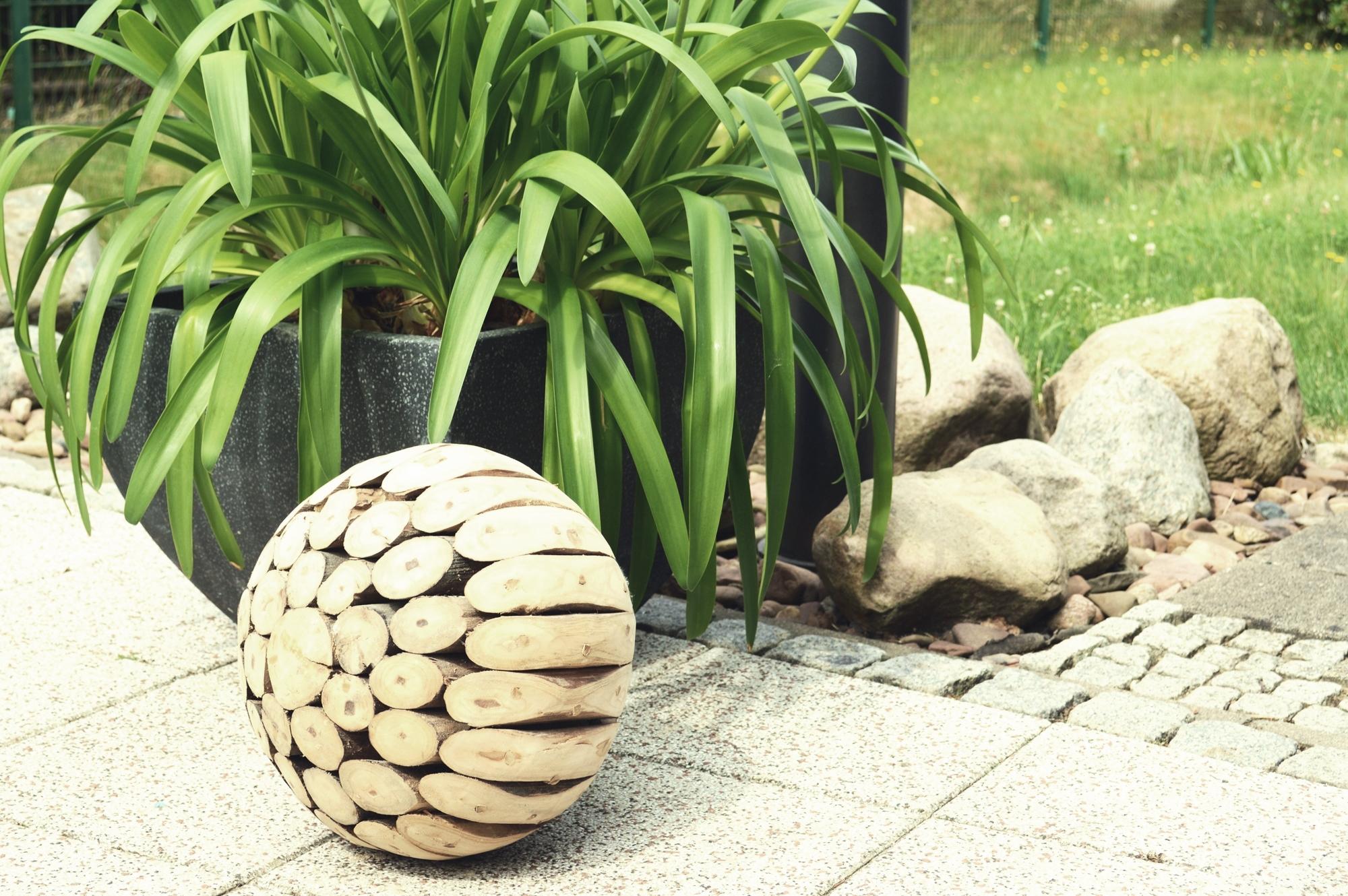 Holz-Dekokugel Theria-Deco ø 30cm aus recyceltem Teakholz