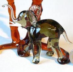 Glasfigur Elefant mit 2 Palmen Glastier Bild 2