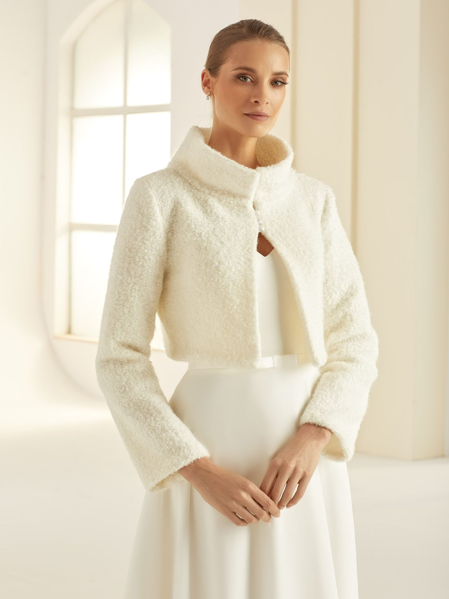 Brautbolero aus gestrickter Wolle