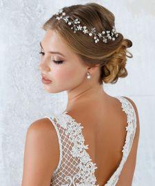 Haardraht mit Perlen und Kristallen