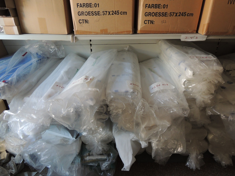 Palette restposten deko kunstpflanzen gardinen flohmarkt for Restposten dekoartikel