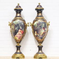 Casa Padrino Luxus Porzellan Vasen Set Lila / Gold 30 x H. 100 cm - Dekorationen im Barockstil