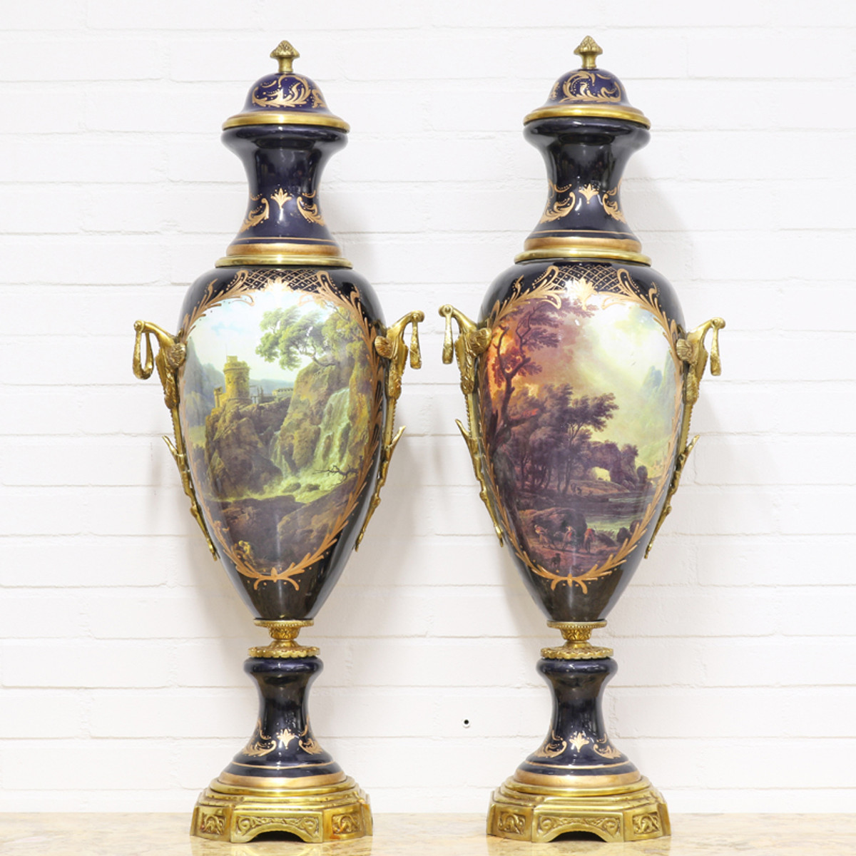 Casa Padrino Deko Vasen Lila / Gold 30 x H. 100 cm - Barockstil Porzellan Vasen Set 1