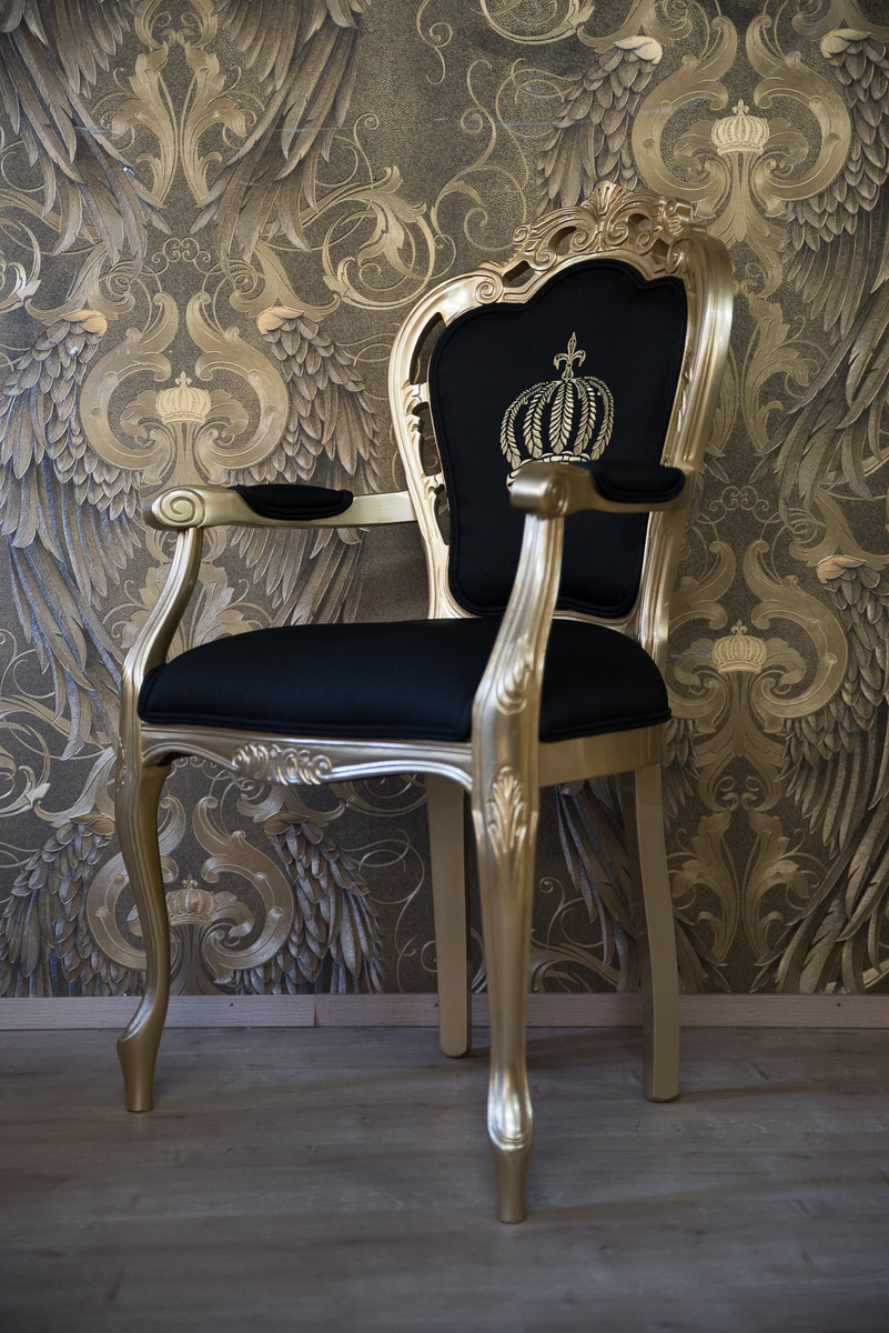 pomp s by casa padrino luxus barock esszimmerstuhl mit armlehnen schwarz gold pomp ser. Black Bedroom Furniture Sets. Home Design Ideas