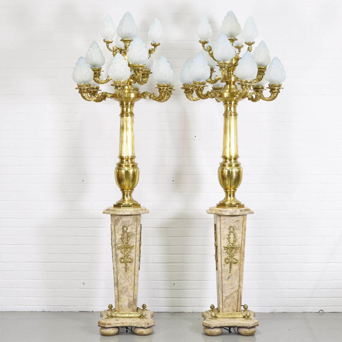Casa Padrino Baroque Stand Chandelier With Marble Pillars Set Mod2 Cream /  Gold   Noble U0026 Sumptuous